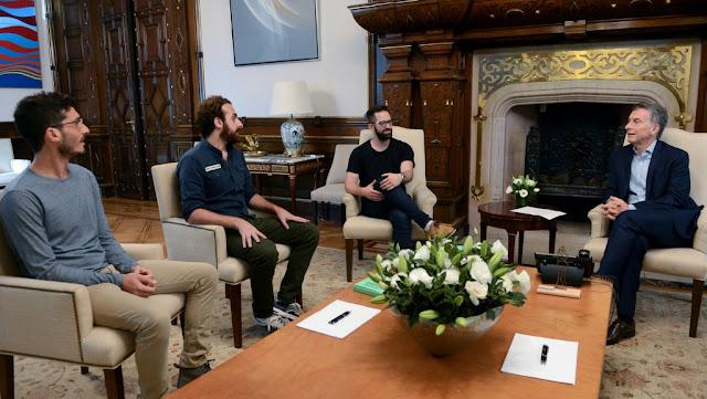 El Presidente recibió a emprendedores que crearon una aplicación de realidad virtual para dejar de fumar