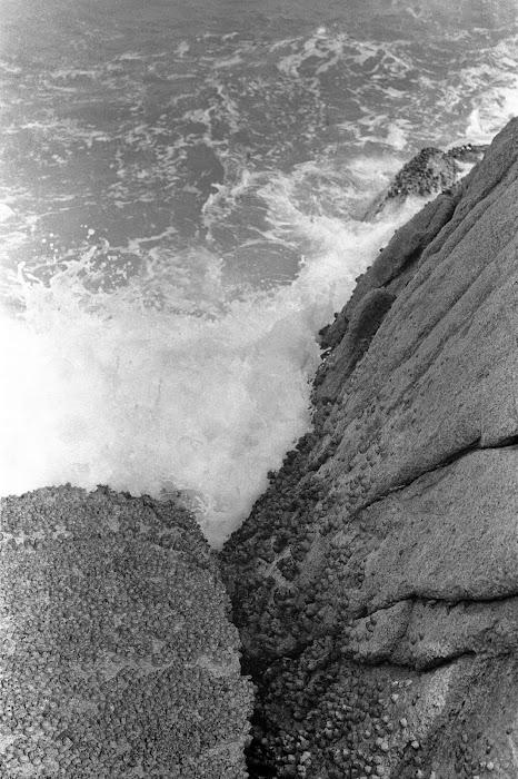 Hong Kong, Cheung Chau, embruns et rochers, © L. Gigout, 1990