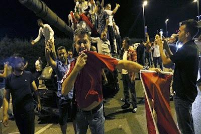 Begini Pandangan Amir Hizbut Tahrir Seputar Kudeta Militer Yang Gagal di Turki