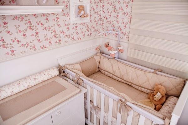 Cuarto bebé rosa blanco