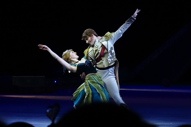 Anna from Frozen dancing with Prince Hans