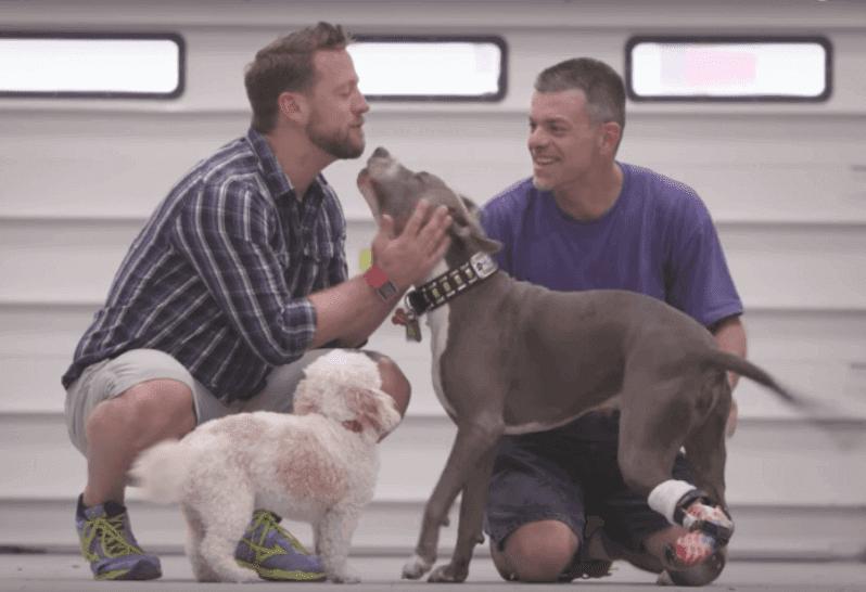 Ο Derrick Campana φτιάχνει προσθετικά μέλη σε ζώα