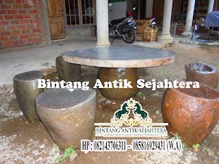 Meja dan Kursi Batu Kali
