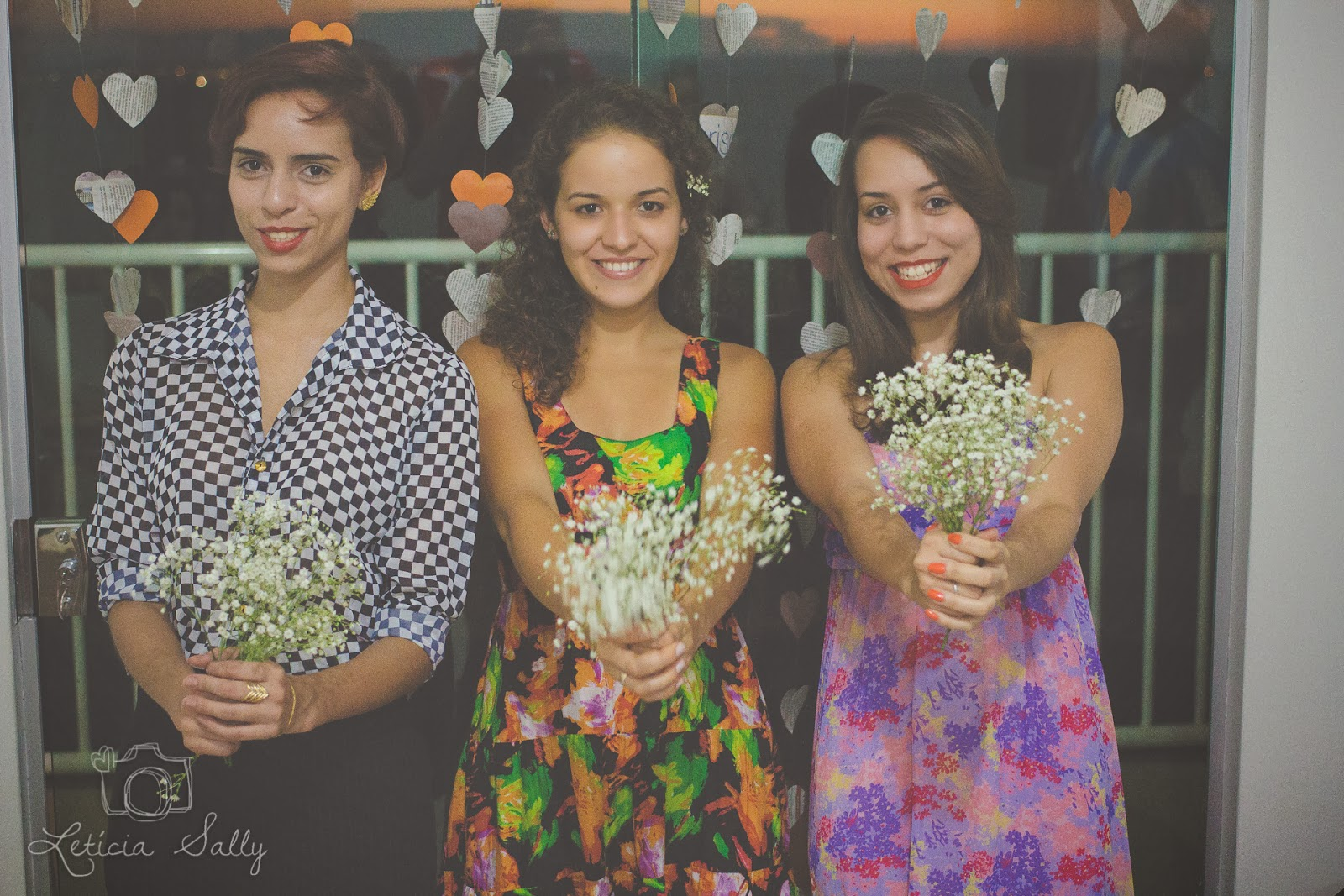 cha-panela-rustico-simples-cortina-coracoes-bouquet