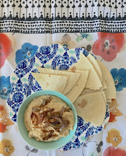 Receta: Hummus de cebolla caramelizada.
