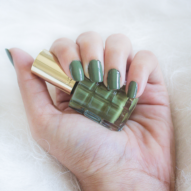L'oreal-Color-Riche-Le-Vernis-A-L'Huile-Nail-Polish-Vert-Absynthe-Review
