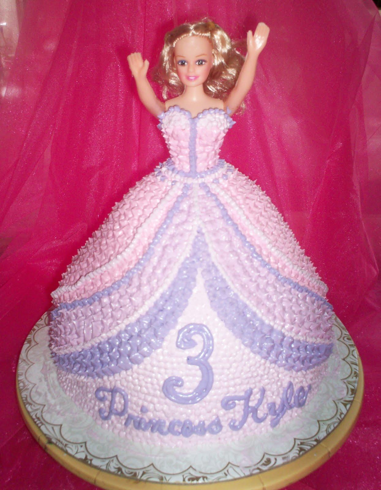 Paupicakes Barbie Cake