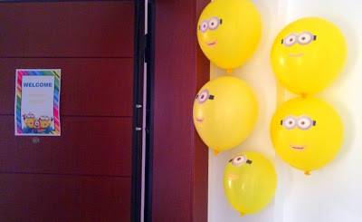 Ioanna's Notebook - Minion wellcome sign + Minion balloons
