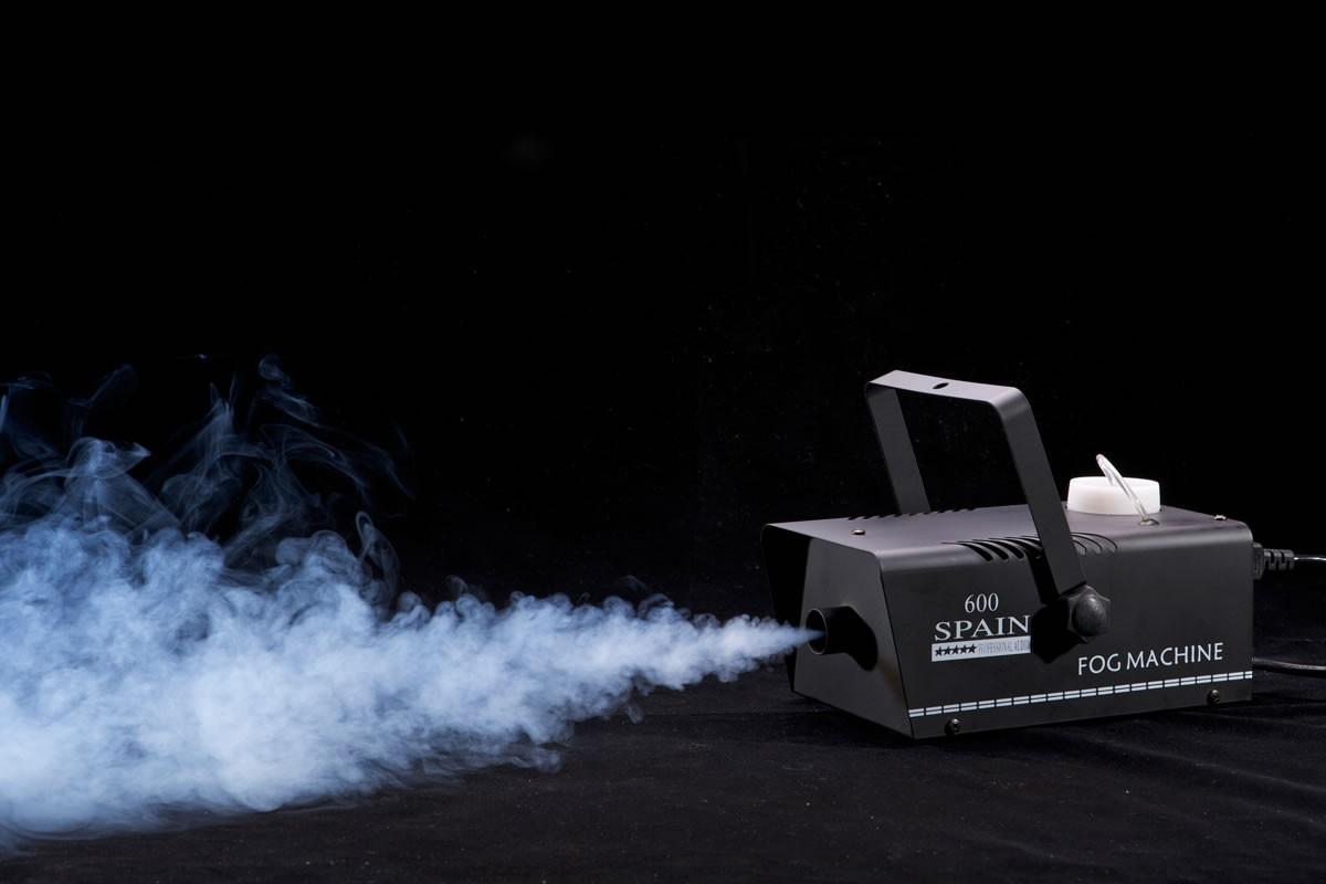 UN TRISTE TIGRE Cortinas de humo
