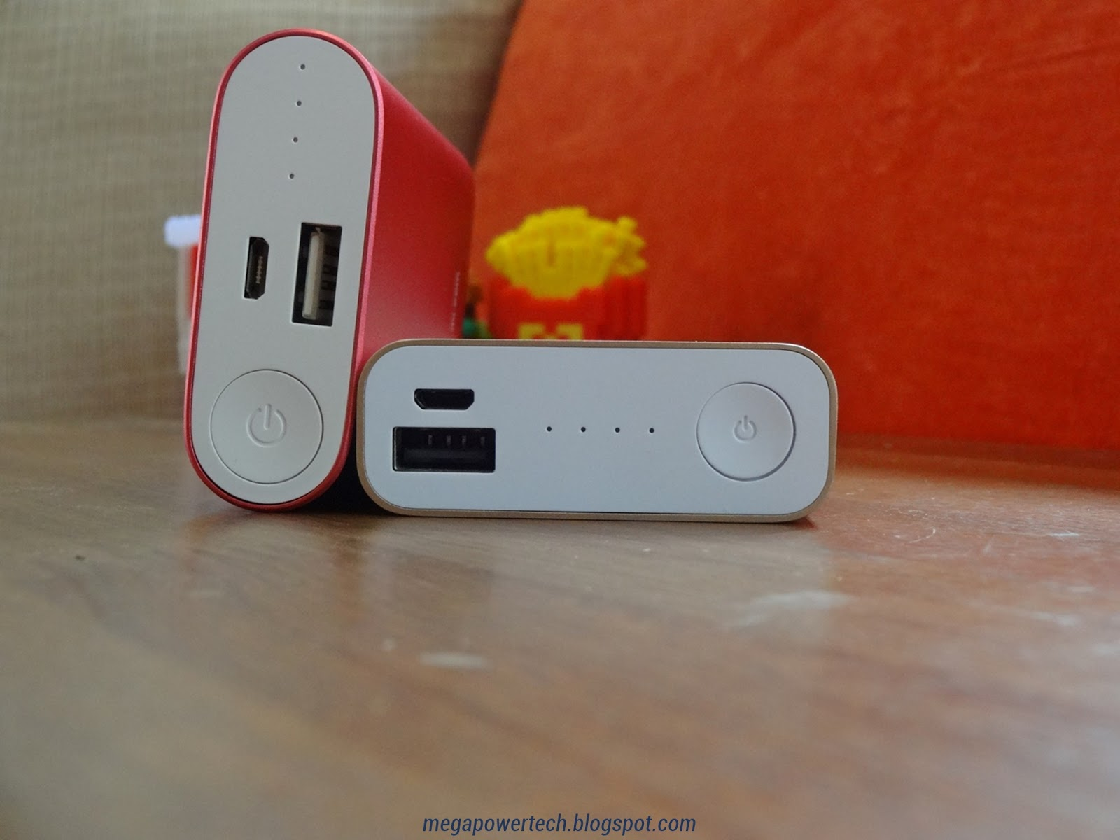asus-xiaomi-power-bank-credit-card-size-usb-port