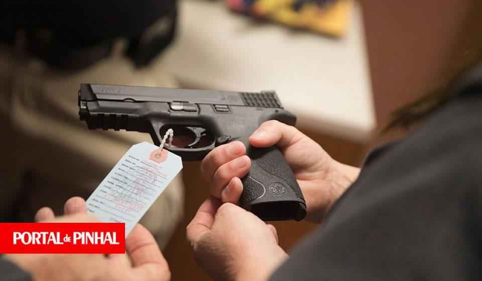 Decreto autoriza compra de até 4 armas, abre exceção para quantidade superior