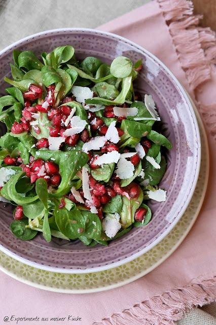 Experimente aus meiner Küche: Feldsalat mit Granatapfel-Feigen-Dressing