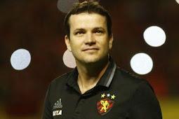 Confiança anuncia Daniel Paulista como novo técnico