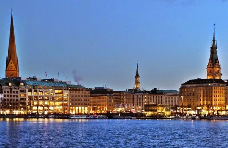 Hamburg entdecken, Stadtführer Hamburg, Blaue Stunde an der Binnenalster in Hamburg