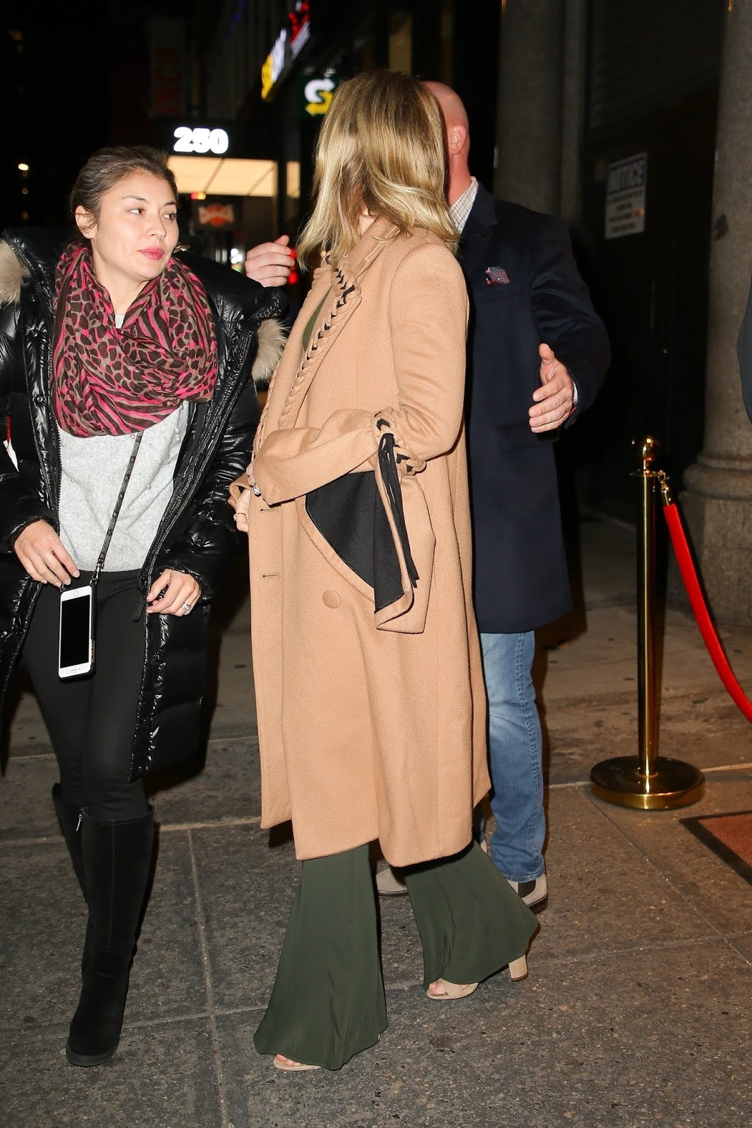 Emily Blunt - leaving a private screening at Feinstein's/54 Below in NYC - 01/10/2019