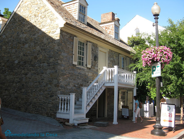 Georgetown - old stone house - oldest house in DC
