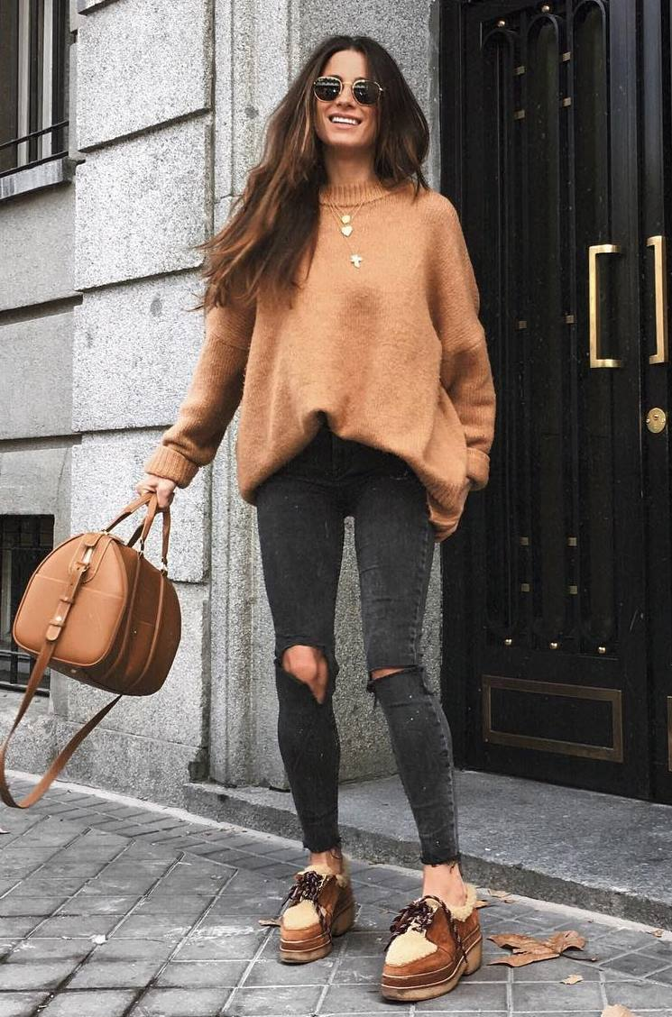 cute fall outfit / brown sweater + handbag + rips + boots