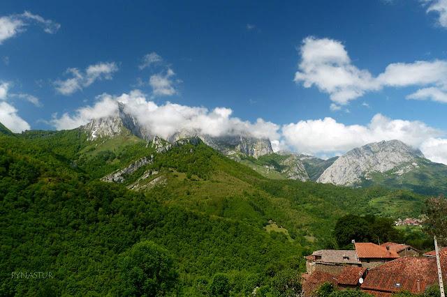 San Juan de Beleño con Abiegos, Pico Tiatordos y Peña Taranes al fondo - Ponga - Asturias