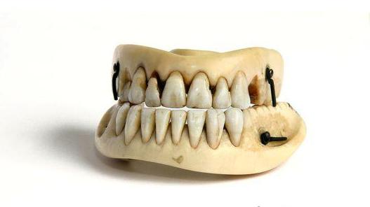 Os dentes de Warteloo