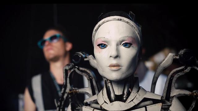 Robot & Scarecrow - Cortomentraje