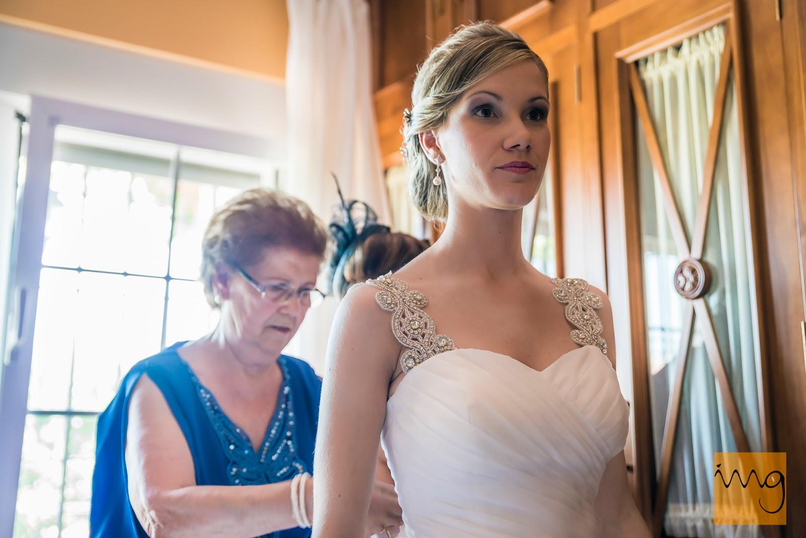 Fotografía de la novia en el dormitorio