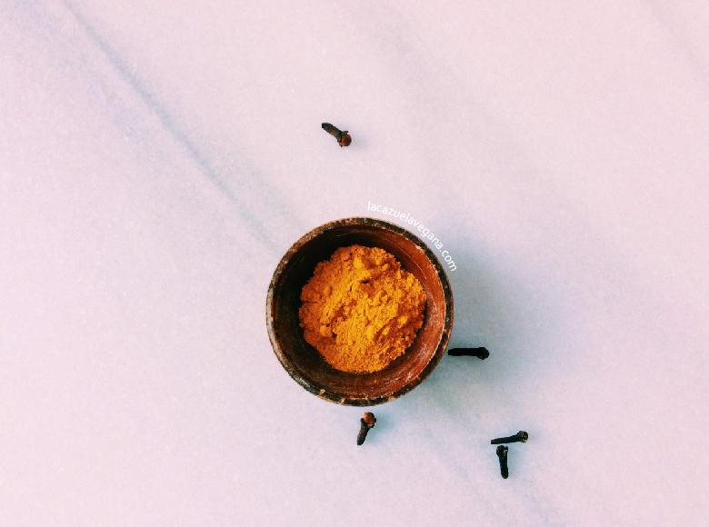 Golden milk Leche dorada Cúrcuma latte