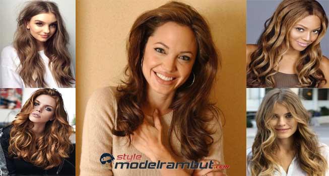 Model Rambut Panjang dan Bergelombang Wanita Korea
