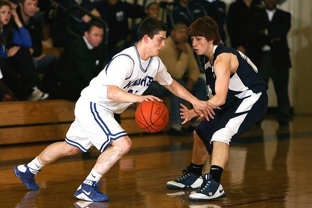 Pengertian Dribbling Dalam Permainan Bola Basket Dan Cara Melakukannya Jasmani Pedia