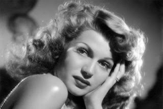 Rita Hayworth in Gilda seductive retro hairstyle