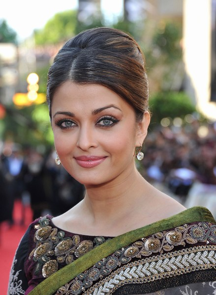 Cute Aishwarya Rai Eyes Pictures