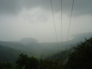 Passare le nuvole. Montagne in Vietnam centrale. Danang