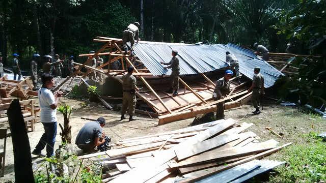 Tiga Unit Gereja Tanpa Izin di Aceh Singkil Dibongkar