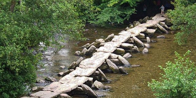 Jembatan-Tarr-Steps-Inggris