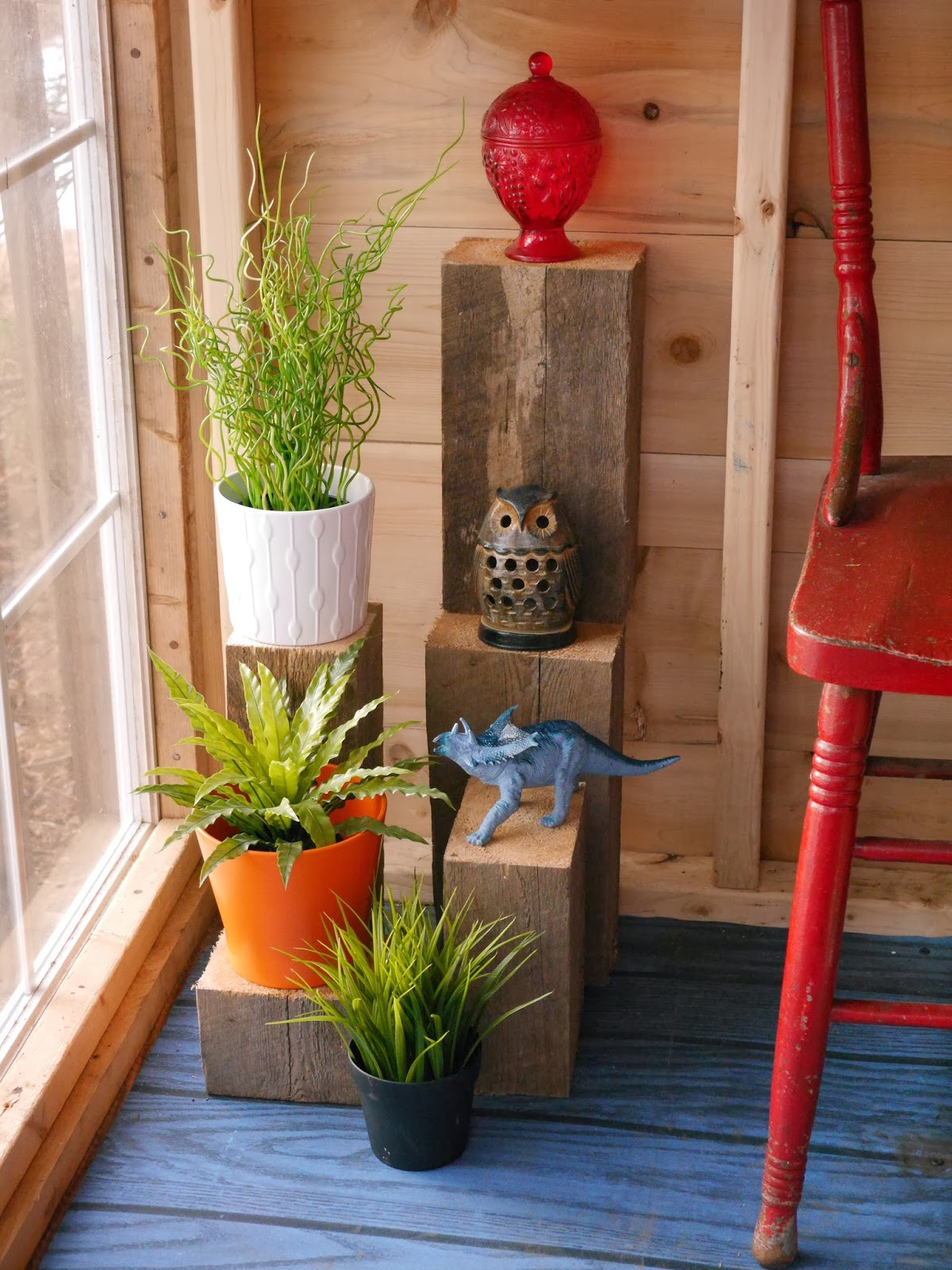 Relaxshacks.com: Decorating a tiny cabin with scrap wood ...