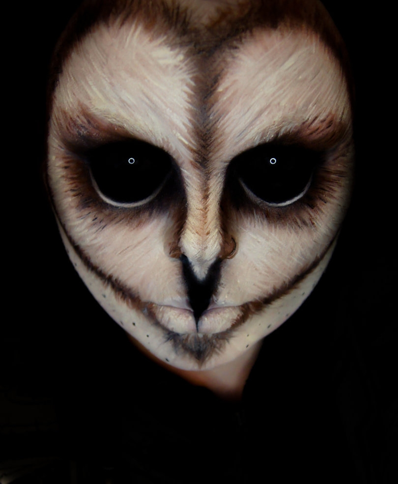03-Owl-Hoot-Carla-CrimsonnOnyxx-Face-and-Body-Painting-by-a-Chameleon-like-Artist-www-designstack-co