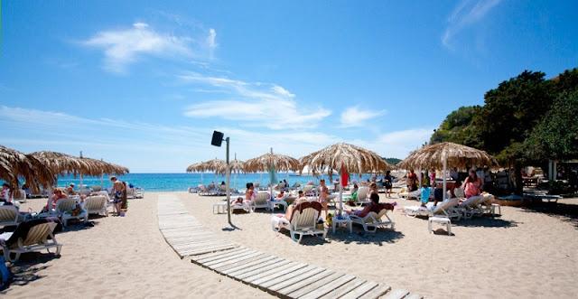 Cala Jondal no sul de Ibiza
