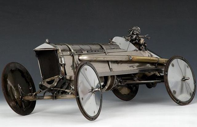 Escultura de un auto
