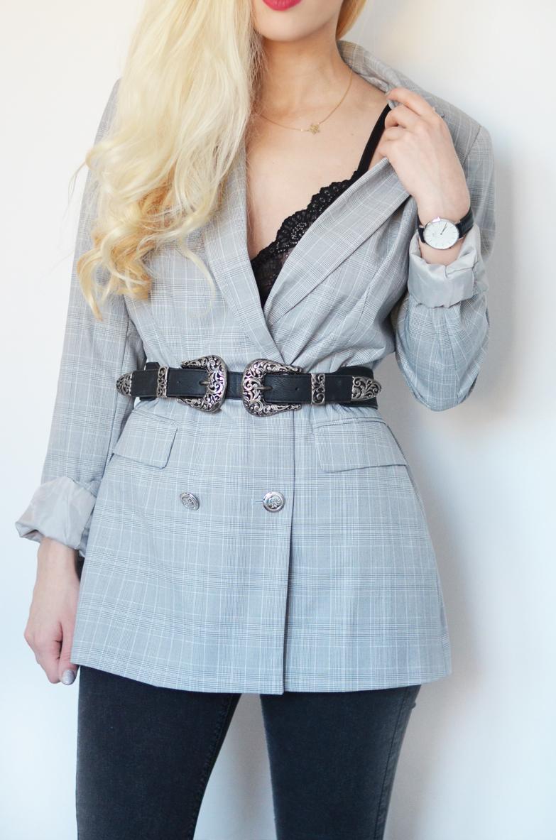 KORONKOWY BIUSTONOSZ + MARYNARKA W KRATKĘ // lace bralette + plaid blazer