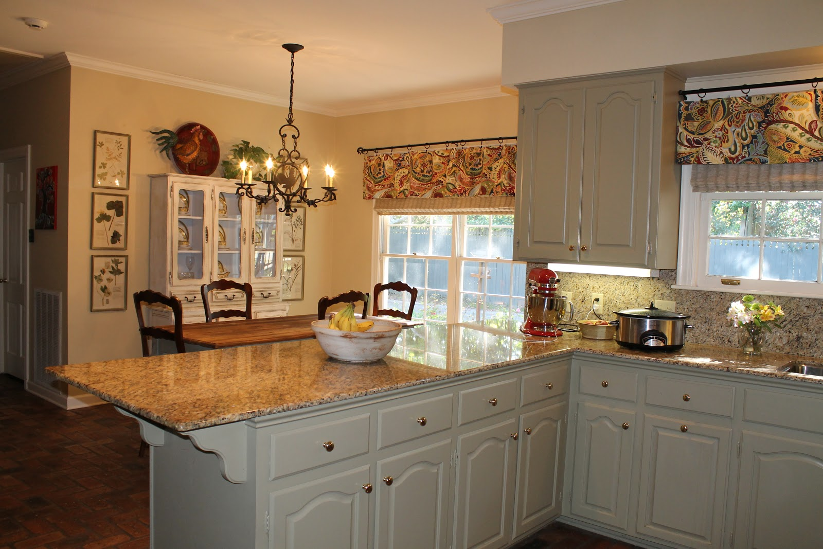 Seamingly Smitten: How to Sew a Kitchen Valance - mini ...