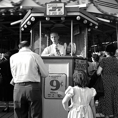 http://martinelkort.com/wp-content/gallery/coney-island/children_1950.jpg