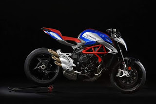 "MV Agusta Brutale 800 America: limited edition ""Stars and Stripes"""
