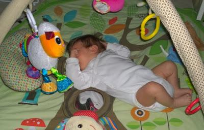 Saippuakuplia olohuoneessa- blogi, kuva Hanna Poikkilehto, vauva, lapsi,
