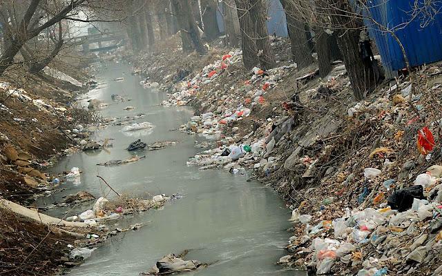 Córrego em Pequim.