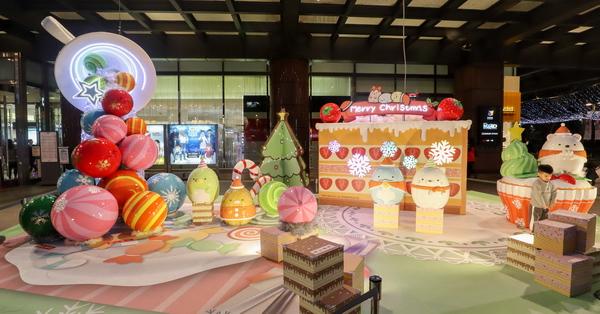 2019台中新光三越聖誕節魔法甜蜜王國,角落小夥伴甜甜圈聖誕樹