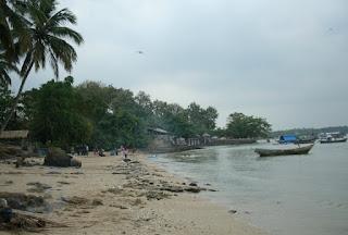http://www.teluklove.com/2017/03/pesona-keindahan-wisata-pulau-liwungan.html
