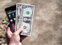dapat uang dari layar kunci android