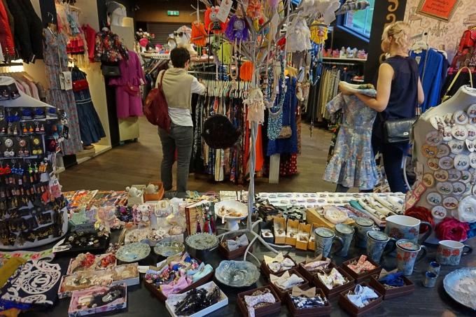 Rotermann City - shoppaile Tallinnan keskustassa - paljon vintagea ja ketjuliikkeitä