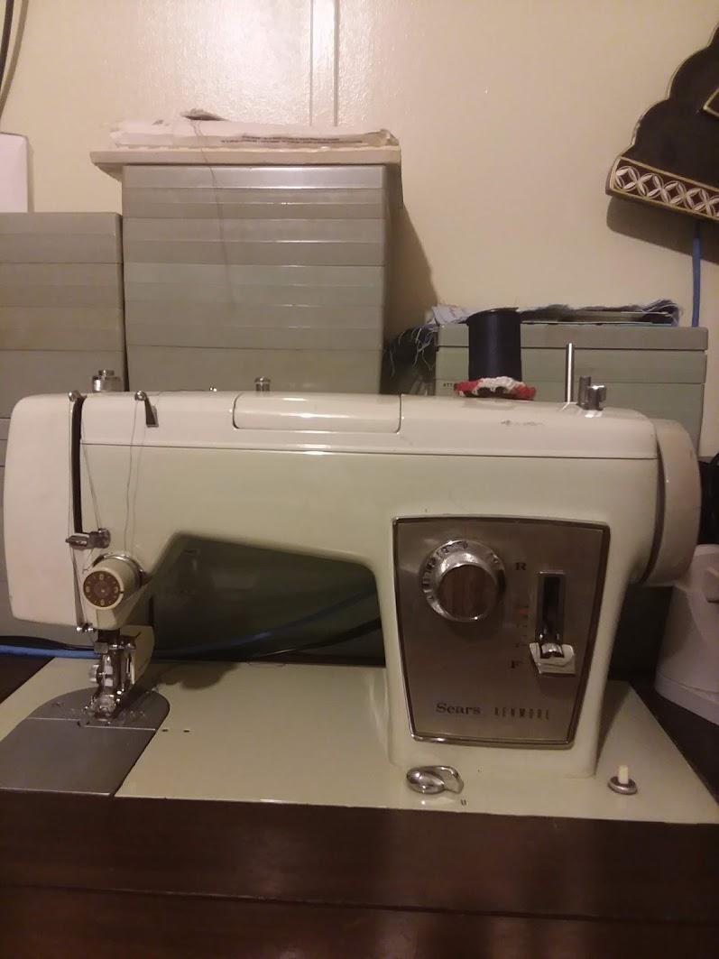 Vintage Sears Kenmore Sewing Machine : vintage, sears, kenmore, sewing, machine, Sears, Kenmore, Sewing, Machines