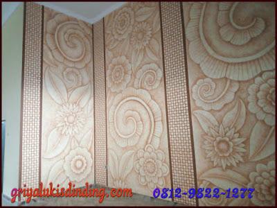Lukisan dinding dekoratif motif kembang ornament