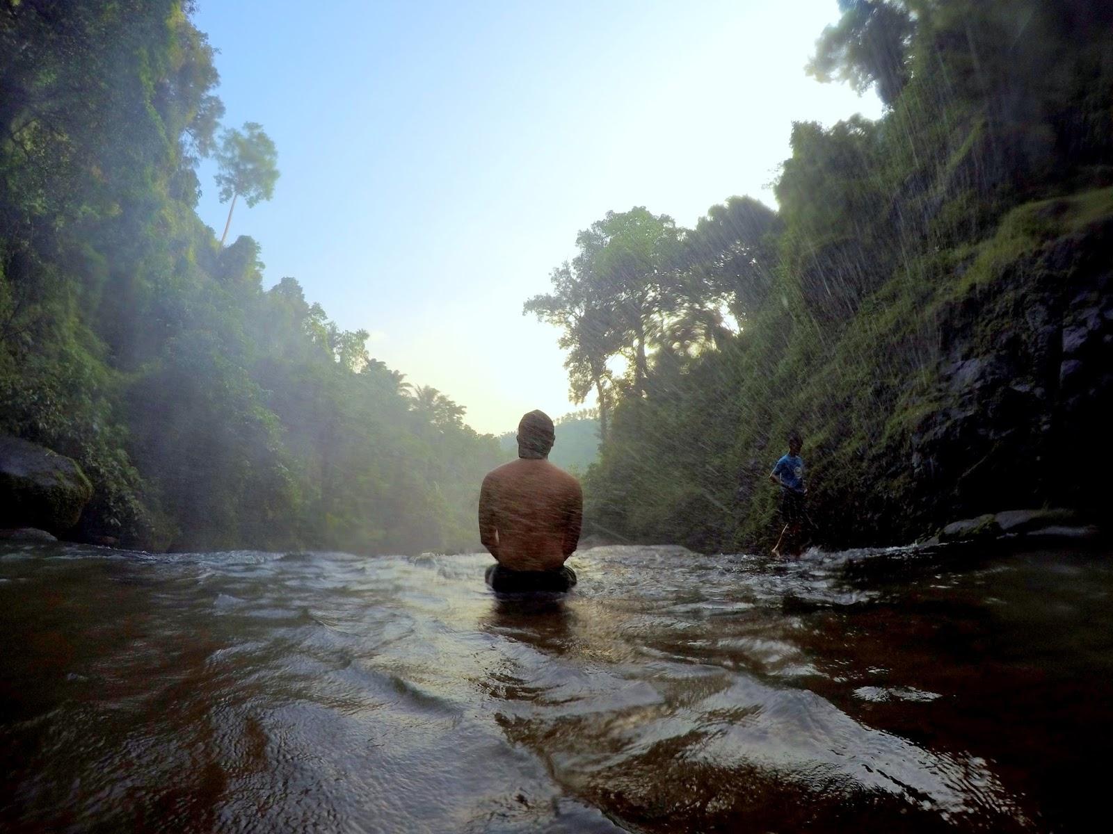 Hulugan Falls Luisiana Laguna